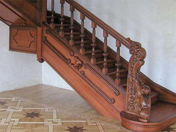 лестницы из дерева фото резные